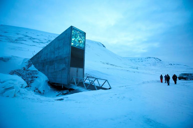 Le Global Seed Vault, un coffre-fort géant de 256 mètres carrés qui stocke depuis 2008 des millions de semences.