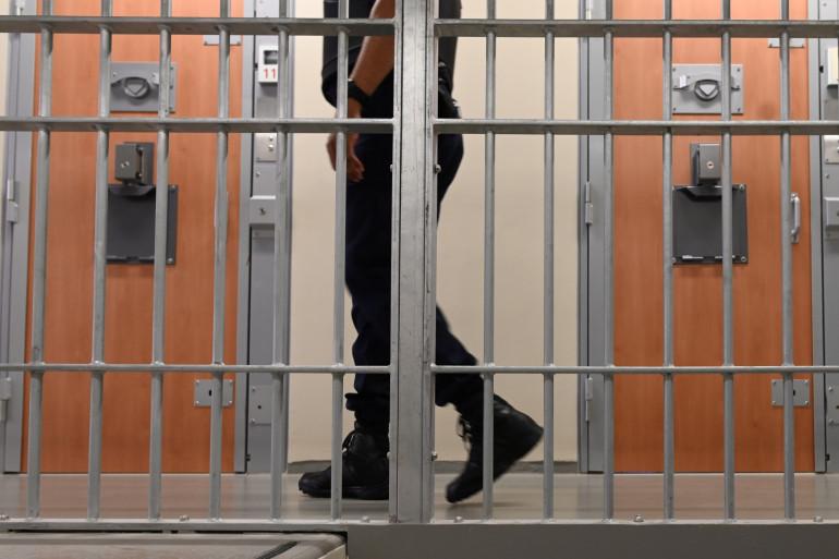 Un surveillant pénitentiaire dans une prison (illustration).