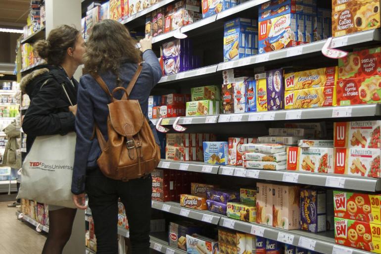 Des clientes dans un magasin Franprix à Paris (illustration)