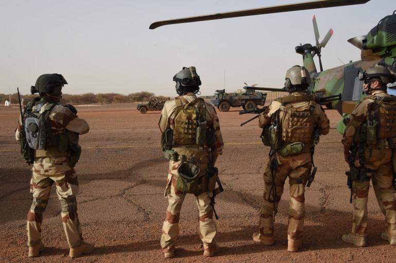Des soldats de l'opération Barkhane au Mali, le 2 janvier 2015 à Gao (archive).