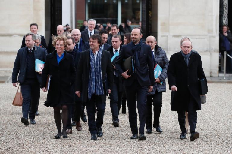 Le gouvernement arrivant à l'Élysée pour le Conseil des ministres du 3 janvier 2018