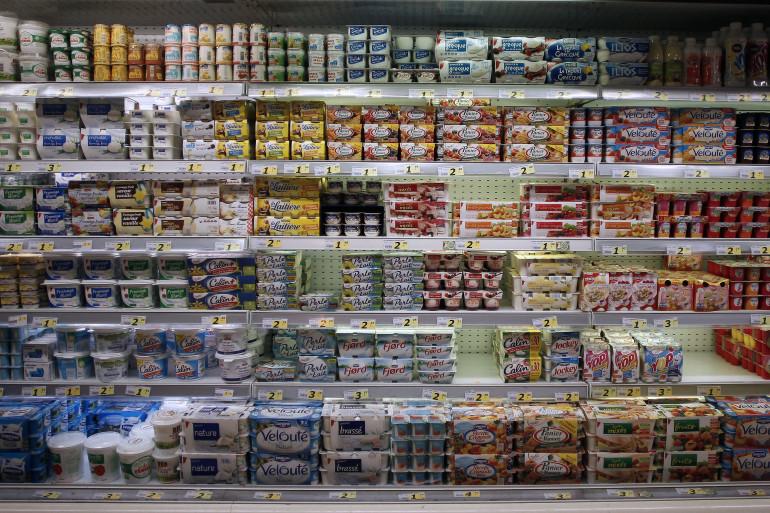 Des yaourts dans un supermarché (illustration)