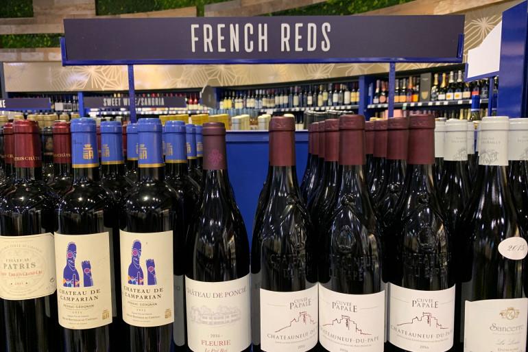 Des vins rouges français commercialisés en Californie, en août 2019