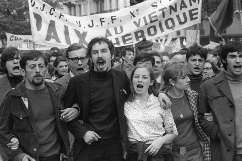 Une manifestation contre la guerre du Vietnam à Paris, le 1er mai 1968