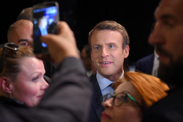 Emmanuel Macron en meeting à Châtellerault, pendant l'entre-deux-tours de l'élection présidentielle de 2017