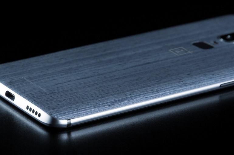 Le dos du OnePlus 6 selon un visuel publié par EvanBlass sur Twitter