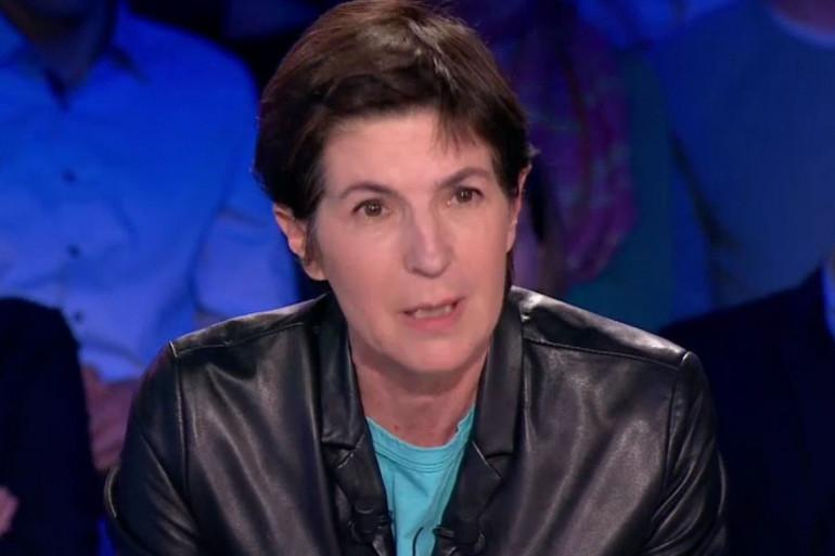 """La polémiste Christine Angot lors de l'émission """"On n'est pas couché"""""""