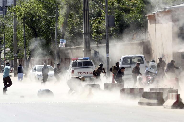 Un double attentat suicide a fait au moins 21 morts lundi 30 avril à Kaboul (Afghanistan)