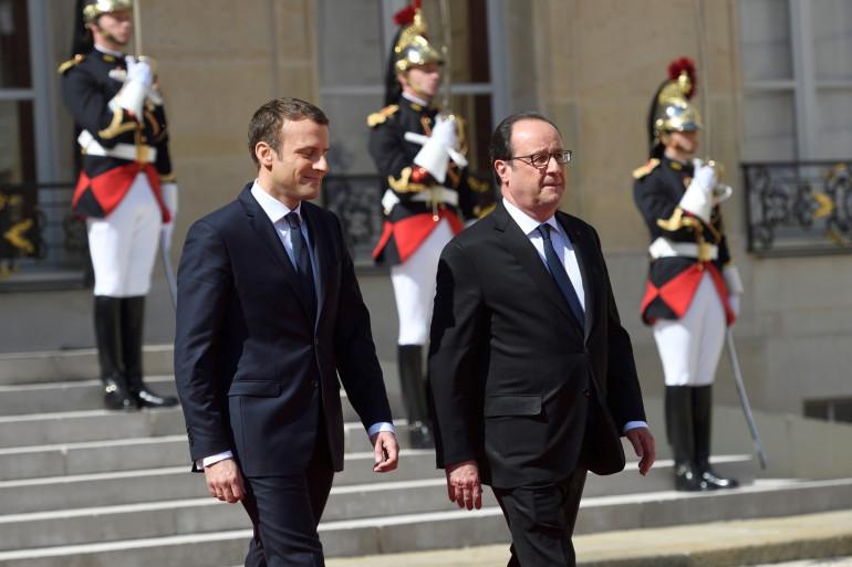 Emmanuel Macron et François Hollande, le 14 mai 2017 à l'Élysée