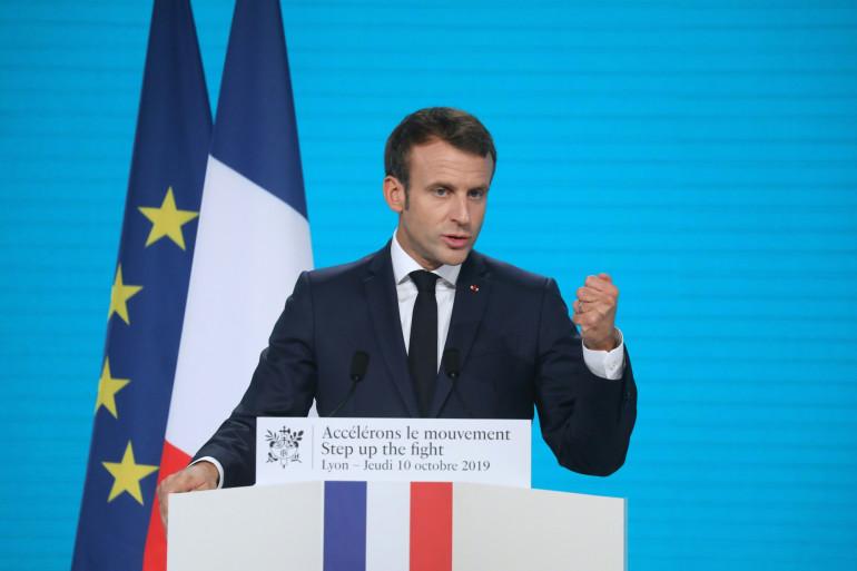 """Brexit : """"Un accord est en train d'être finalisé"""", annonce Macron"""