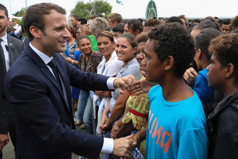 Emmanuel Macron rencontre des lycéens à Pouembout en Nouvelle-Calédonie le 4 mai 2018