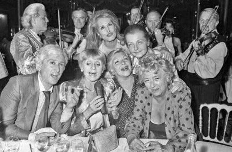 Hélène Martini et ses amis vedettes