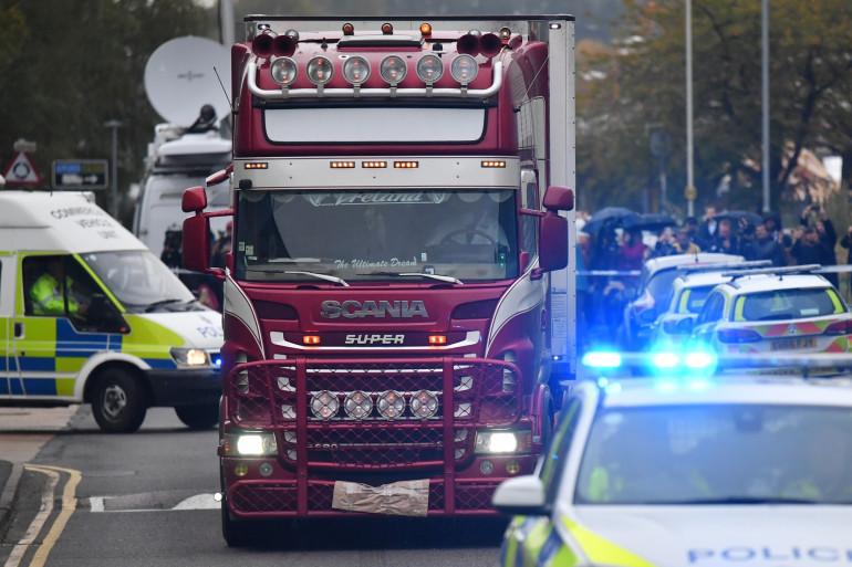 Le camion dans lequel ont été retrouvés 39 corps au Royaume-Uni.