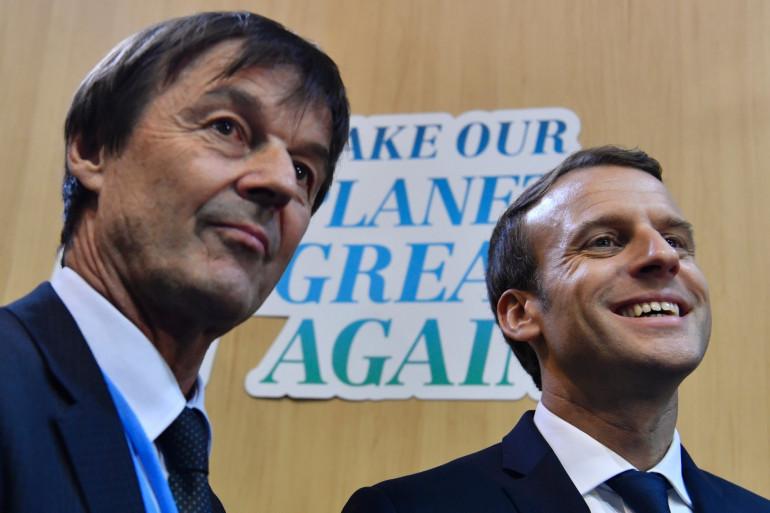 Le Président Macron (à droite) accompagné de son ministre de la Transition écologique Nicolas Hulot, le 15 novembre 2017 en Allemagne