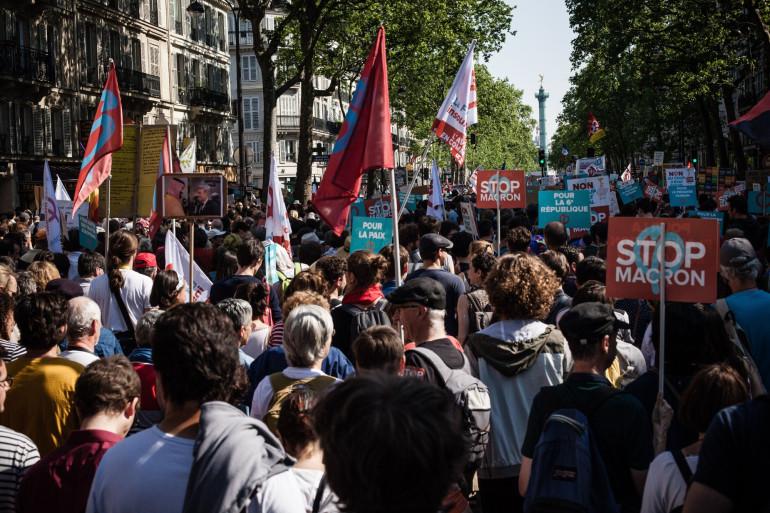 """Au cœur de la manifestation à Paris lors de """"la fête à Macron"""", le 5 mai 2018"""