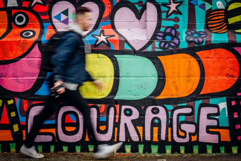 """La """"LGBTphobie"""" concerne les actes de violences envers la communauté LGBTQ+"""