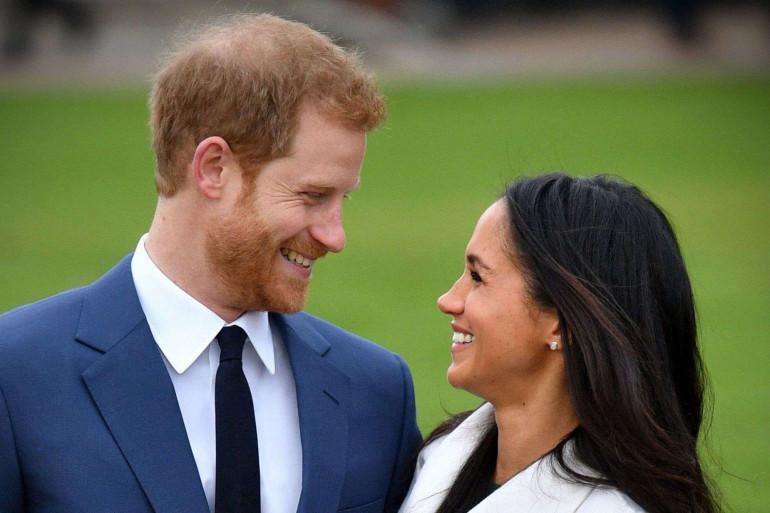 Harry et Meghan se présentant officiellement comme des fiancés
