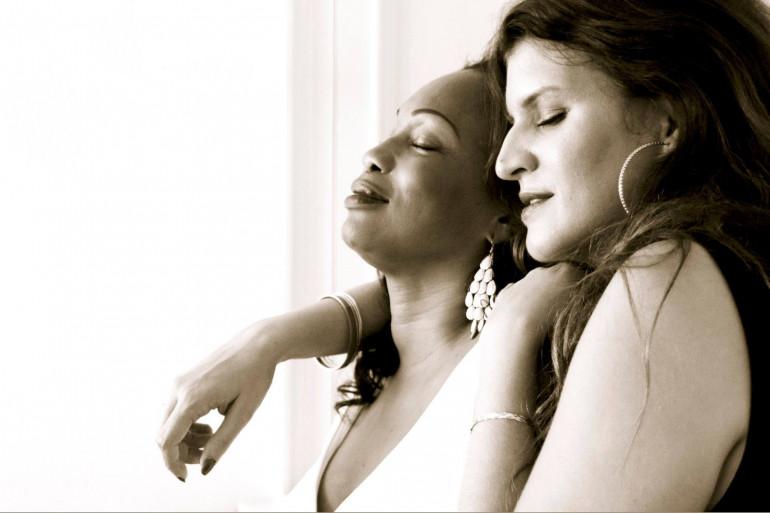 Laura Flessel et Marlène Schiappa sous l'objectif d'Olivier Ciappa pour une campagne contre l'homophobie