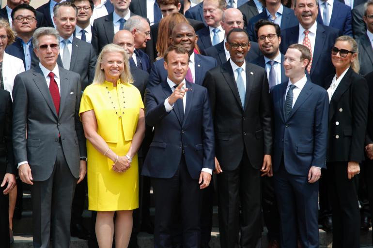 """Les géants mondiaux du numérique, dont Mark Zuckerberg, PDG de Facebook, autour d'Emmanuel Macron pour le sommet """"Tech for Good"""", le 23 mai"""