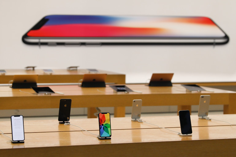Malgré des stocks limités au lancement, l'iPhone X est un succès commercial pour Apple