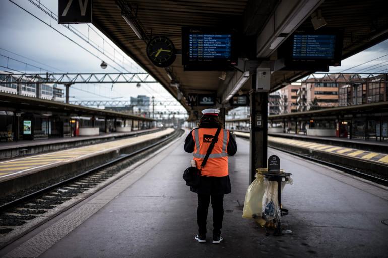 Un quai désert à la gare de Lyon Part-Dieu (illustration)