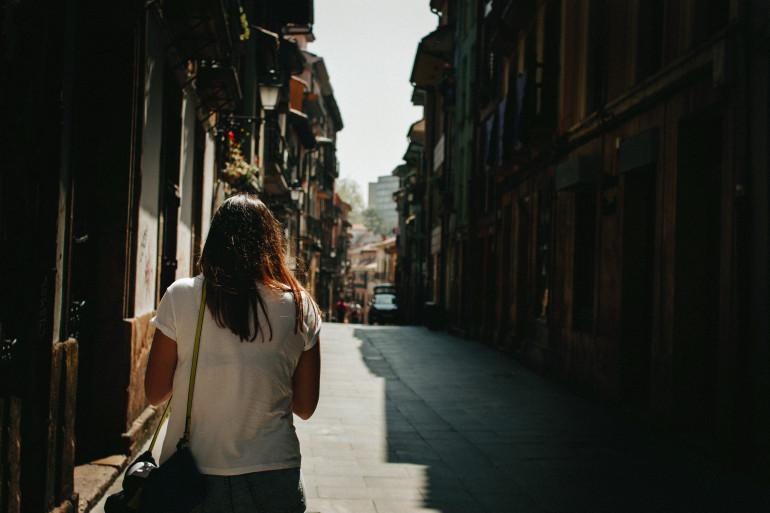 Une campagne contre le harcèlement de rue, créée par le Conseil lillois des jeunes, a fait polémique.