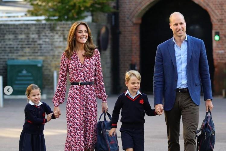Charlotte, Kate, George et William lors de la rentrée des classes 2019