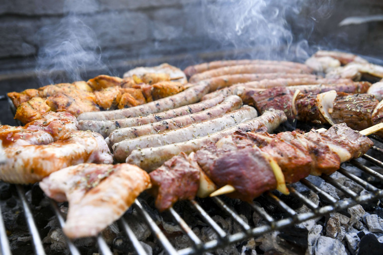 De la viande cuite au barbecue (illustration)