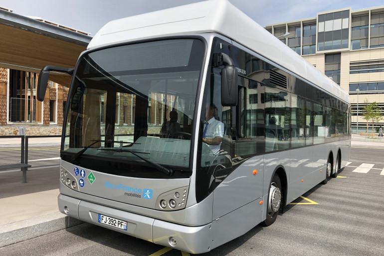 Le bus à hydrogène effectuant la liaison Versailles/Jouy-en-Josas