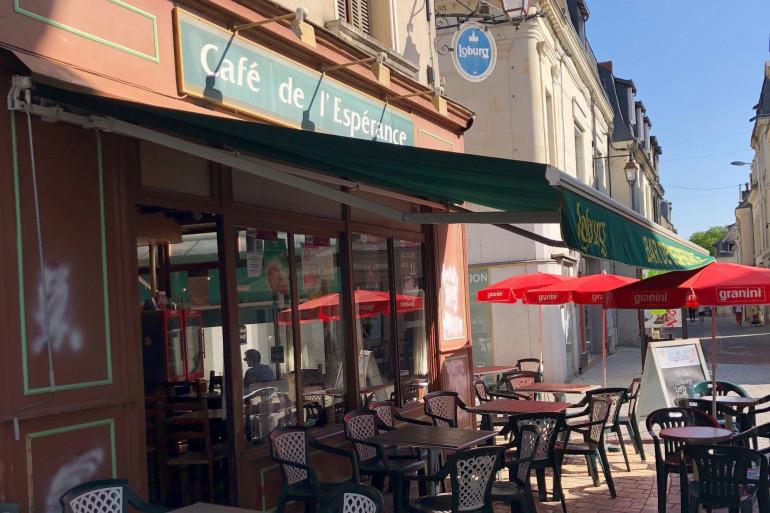 Un café de Châtellerault (Vienne)