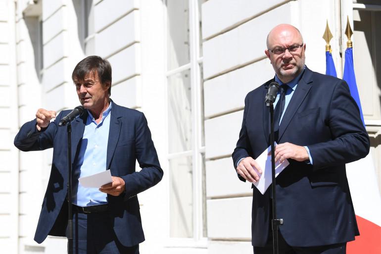 Les ministres de la Transition écologique et de l'Agriculture, Nicolas Hulot et Stéphane Travert, à Paris le 22 juin 2018