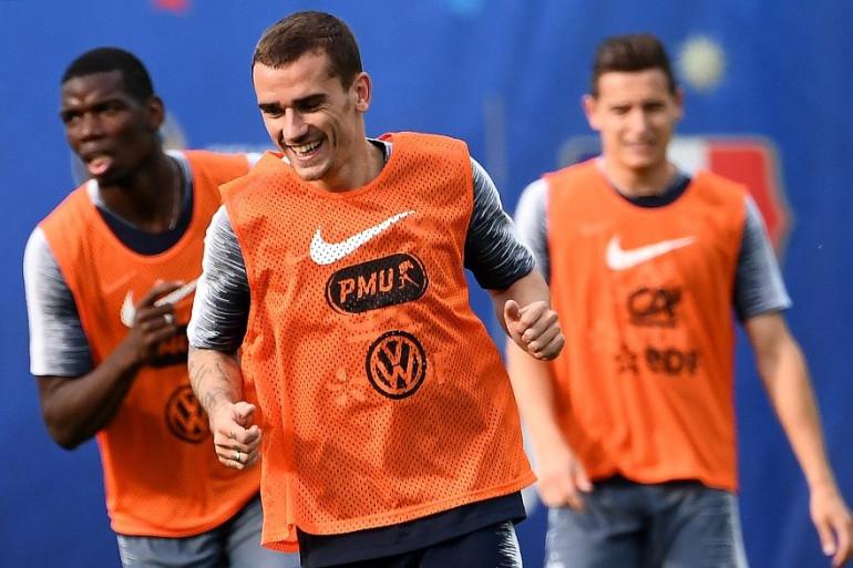 Paul Pogba, Antoine Griezmann et Florian Thauvin à l'entraînement, le 23 juin 2018 en Russie