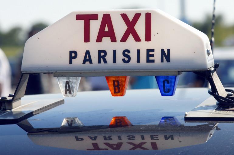 Un taxi parisien (illustration).