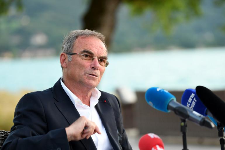 Bernard Hinault, lors d'une conférence de presse à Talloires le 27 juin 2018.