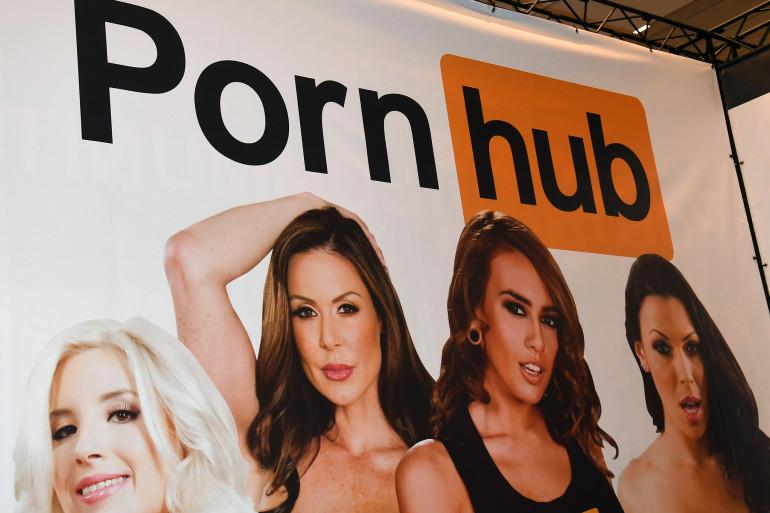 """Une enseigne Pornhub à l'édition 2017 de l'exposition """"Divertissement pour Adulte"""" au Hard Rock Hotel & Casino à Las Vegas (États-Unis)."""