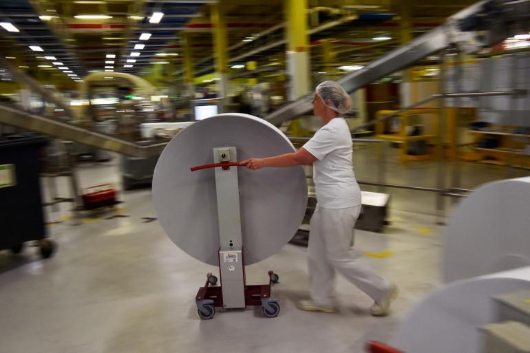 Une employée de l'usine Lu de La Haye-Fouassière, près de Nantes, le 21 juin 2018 (Illustration)