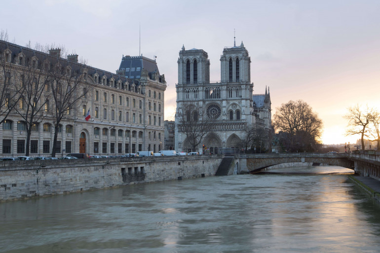 Notre-Dame-de-Paris, sur l'île de la Cité dans le 4ème arrondissements de Paris.