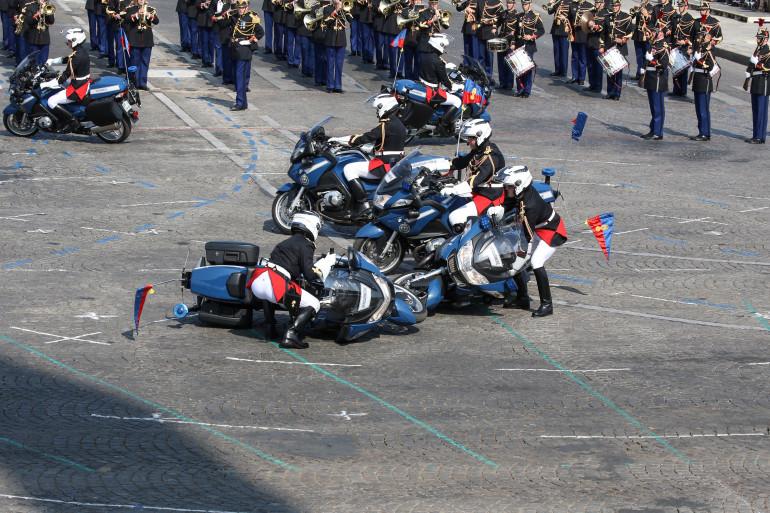 Un léger accrochage entre motards a eu lieu au début du défilé du 14 juillet 2018