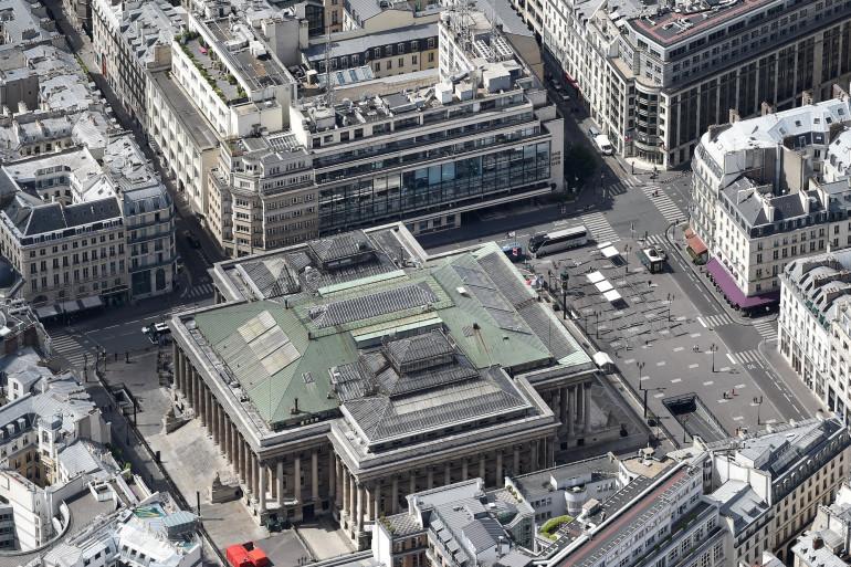 Une vue aérienne de la place de la Bourse et du palais Brongniart à Paris (Illustration)