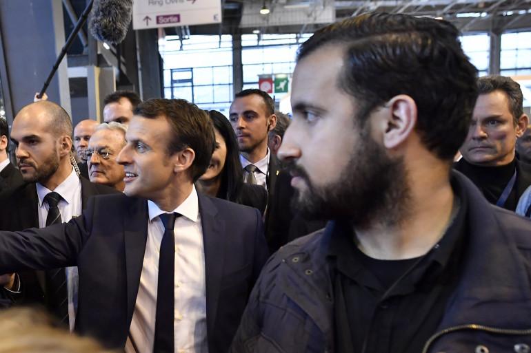 Alexandre Benalla, au côté d'Emmanuel Macron, en mars 2017