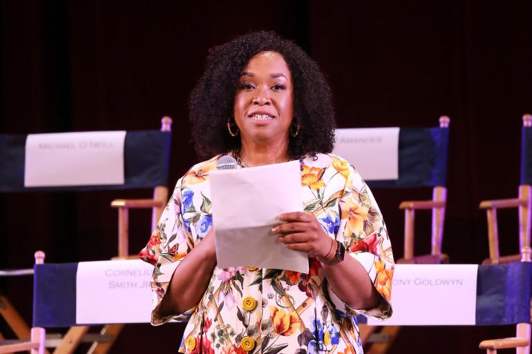 La réalisatrice américaine Shonda Rhimes va produire sept nouvelles séries avec Netflix.