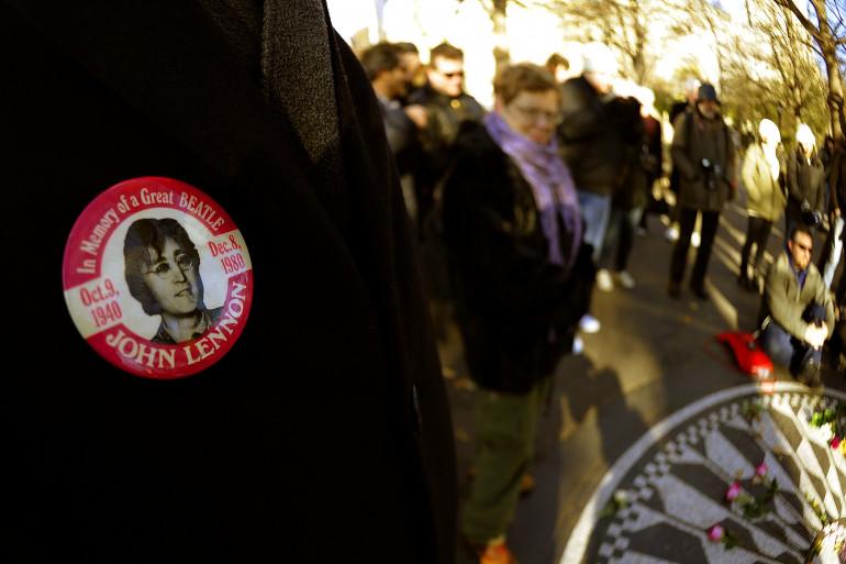 Les fans de John Lennon réunis à Central Park à New York le 8 décembre 2010