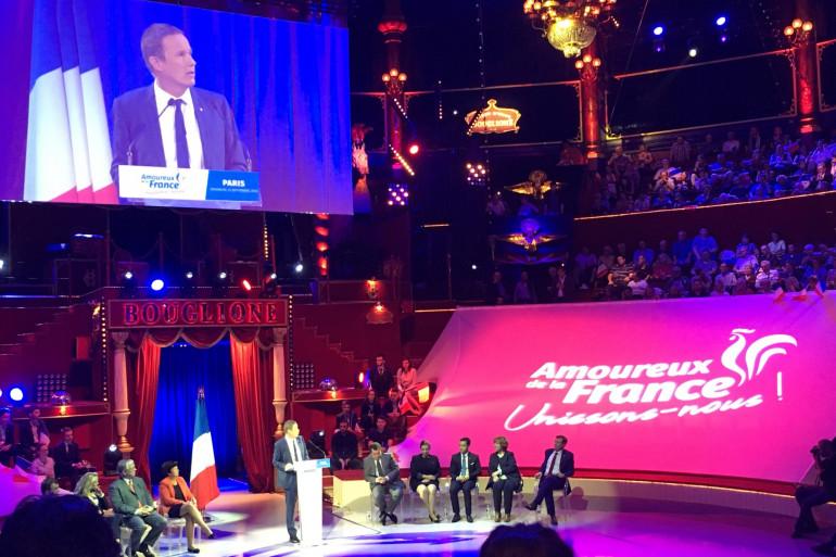 Nicolas Dupont-Aignan au Cirque d'hiver à Paris, le dimanche 23 septembre 2018