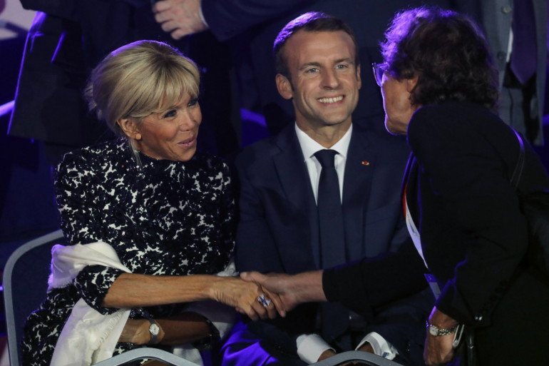 Emmanuel et Brigitte Macron lors du concert de gala en hommage à Charles Aznavour