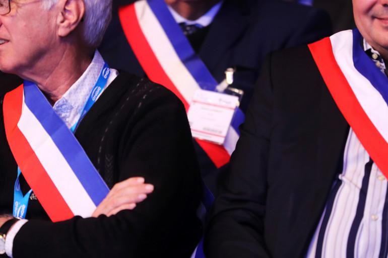 Des maires lors du 100e congrès des maires de France en novembre 2017