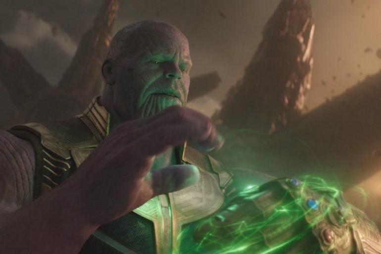 Thanos prenant possession de la Pierre du Temps