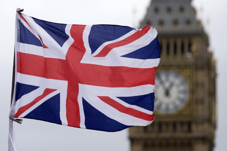 Angleterre : un cambrioleur arrêté endormi au milieu de 180 objets volés