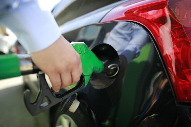 L'envolée des prix du carburant pèse sur le budget des automobilistes français.
