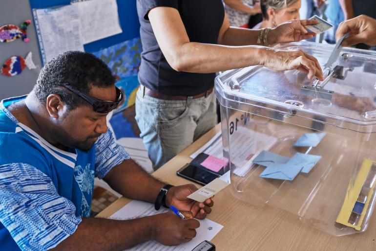 Un bureau de vote à Nouméa, le 3 novembre 2018