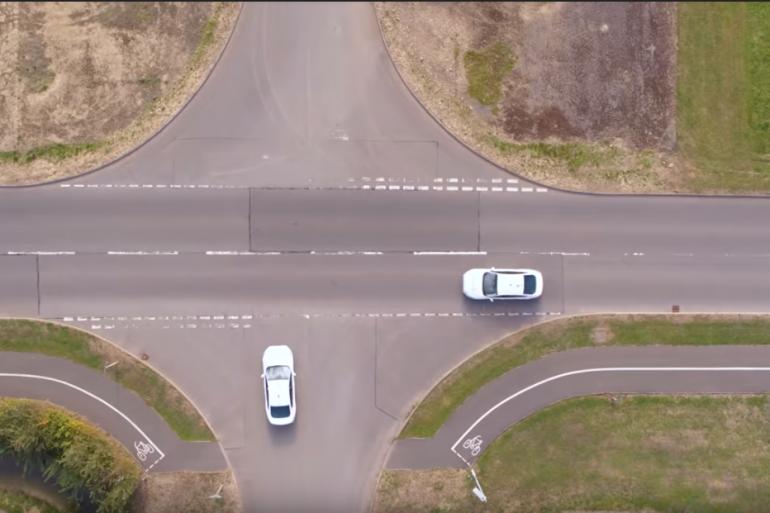 """Les voitures seront en mesure de se repérer et de """"communiquer"""" dans les intersections"""